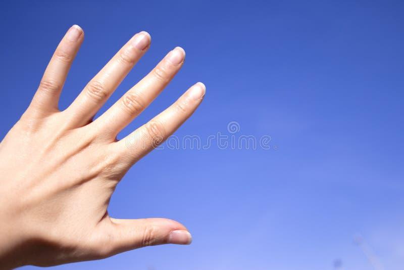 Main gesticulante de femme photos stock