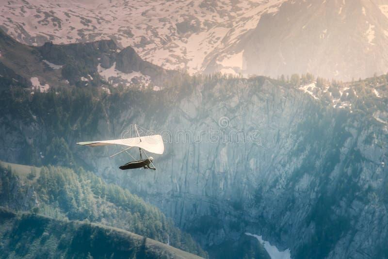 Main glissant jusqu'à la montagne de Jenner près de Konigssee images stock