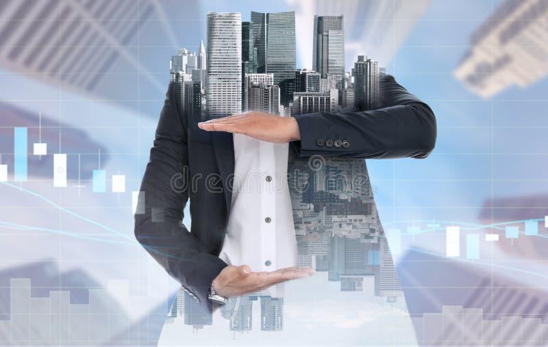 Main ouverte d'homme d'affaires surr?aliste pour votre texte photographie stock libre de droits