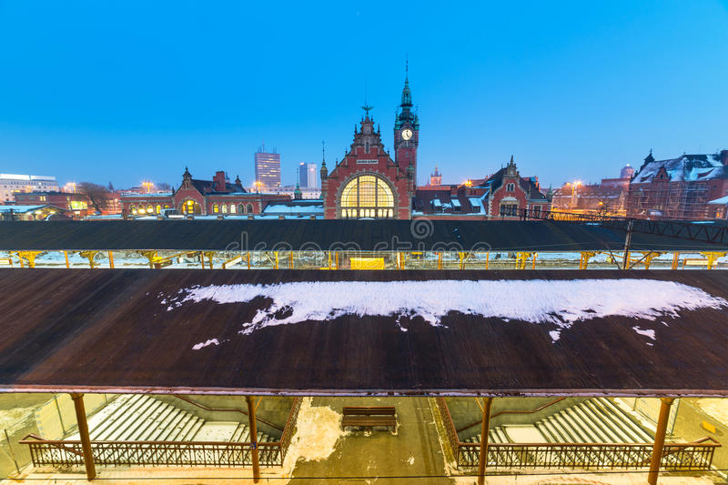 Download Main Railway Station At Night In Gdansk Stock Image - Image: 38188653