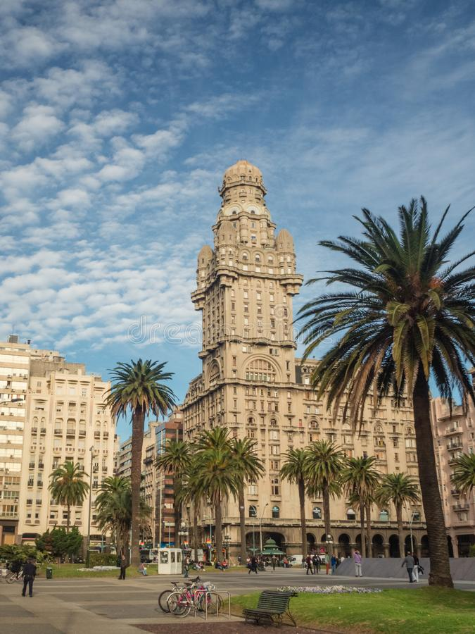 Main square in Montevideo, Plaza de la independencia, Salvo palace royalty free stock images