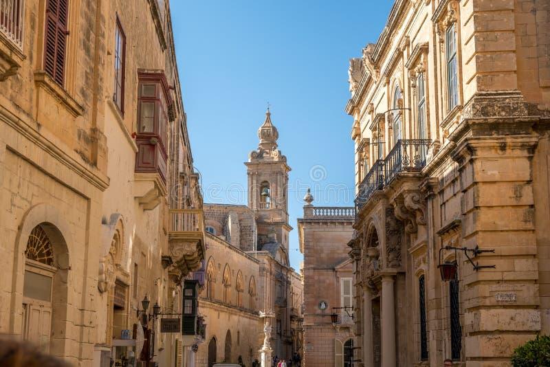 Main Street av Mdina, Malta, Europa som är medelhavs- arkivbilder