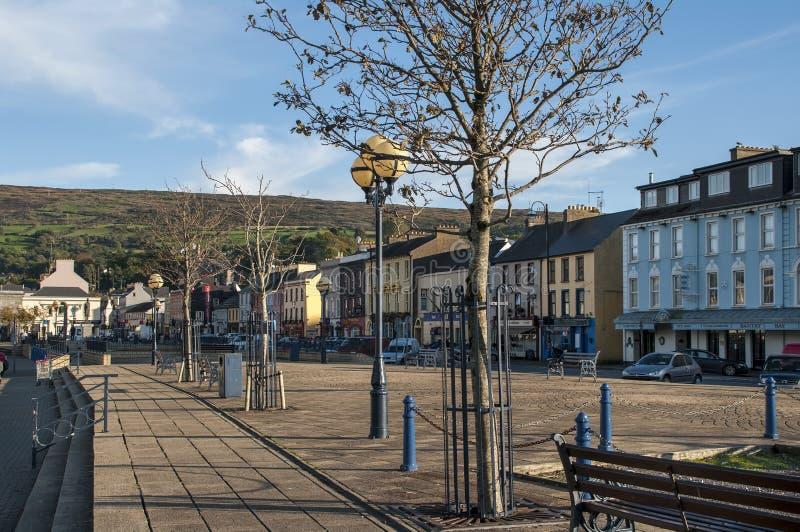 Main Street de Bantry en el condado Cork Ireland fotos de archivo