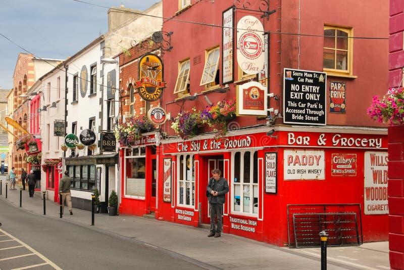 Main Street De stad van Wexford Co Wexford ierland stock afbeeldingen