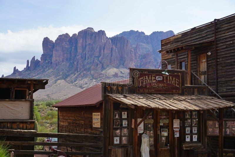 Main Street della città fantasma di zona aurifera - Arizona, U.S.A. immagini stock libere da diritti