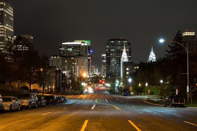 Main Street i Salt Lake City, Utah, på natten arkivbild