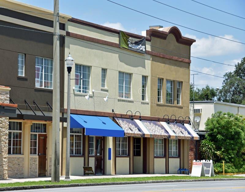 Main Street kommersiellt område i Florida fotografering för bildbyråer