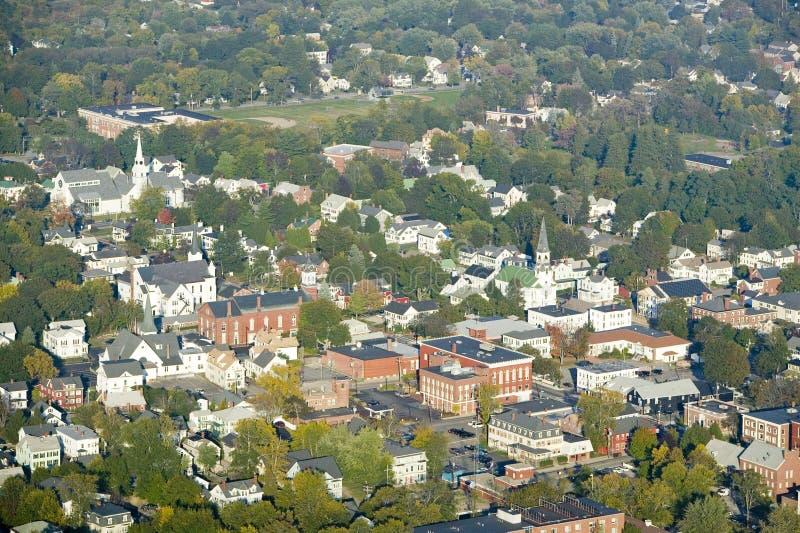 Main Street nella città di Saco, Maine immagini stock libere da diritti