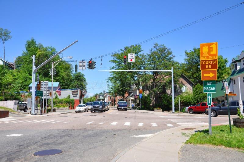 Main Street, Saranac See, New York, USA lizenzfreie stockfotos
