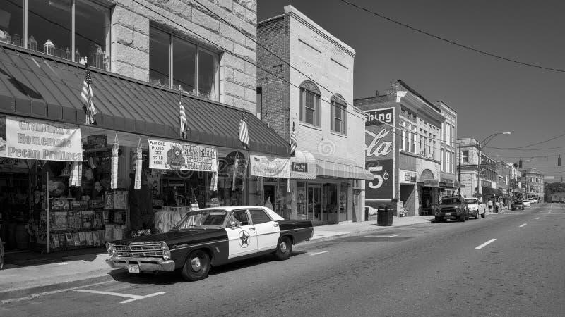 Main Street sul monte Airy, Carolina del Nord fotografia stock libera da diritti