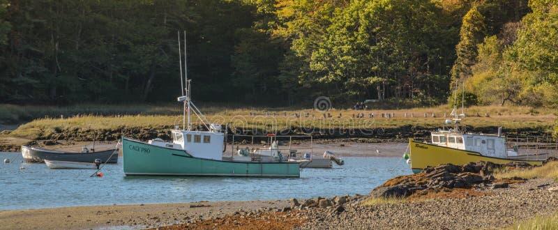 Maine Fishing Boats a bassa marea fotografie stock libere da diritti