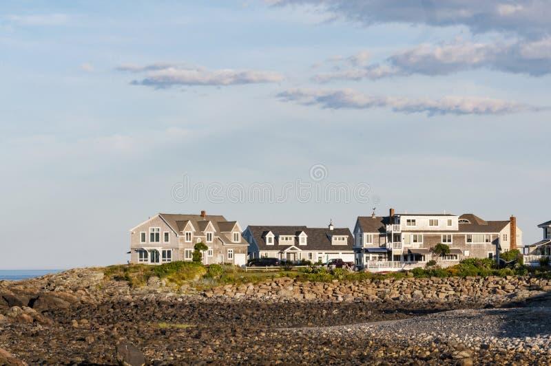 Maine-huizen met blauwe en schone hemel royalty-vrije stock foto's
