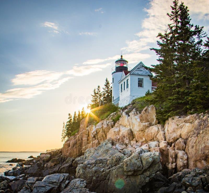 Maine Lighthouse på solnedgången - Bass Harbor Head royaltyfri foto