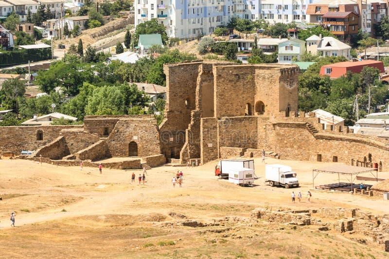 Maingaten av den Genoese fästningen royaltyfri bild