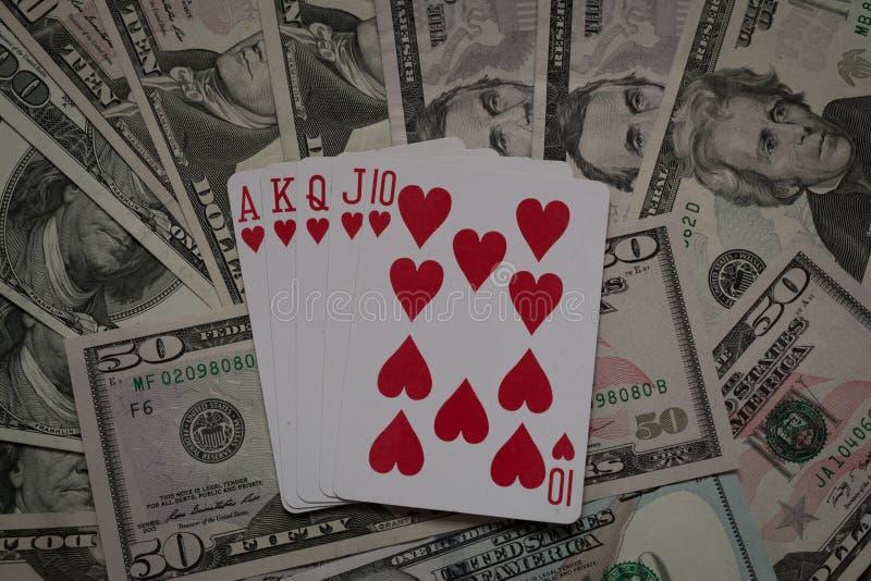 Mains de poker : Quinte royale Cosses royales d'instantané de casino de cartes de jeu photo stock