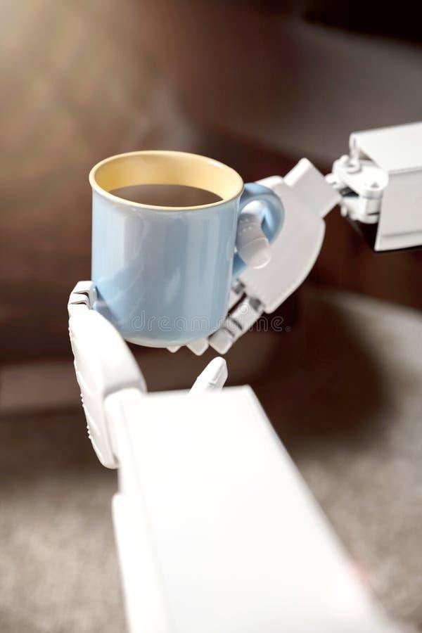 Mains de robot avec la tasse de café photo stock