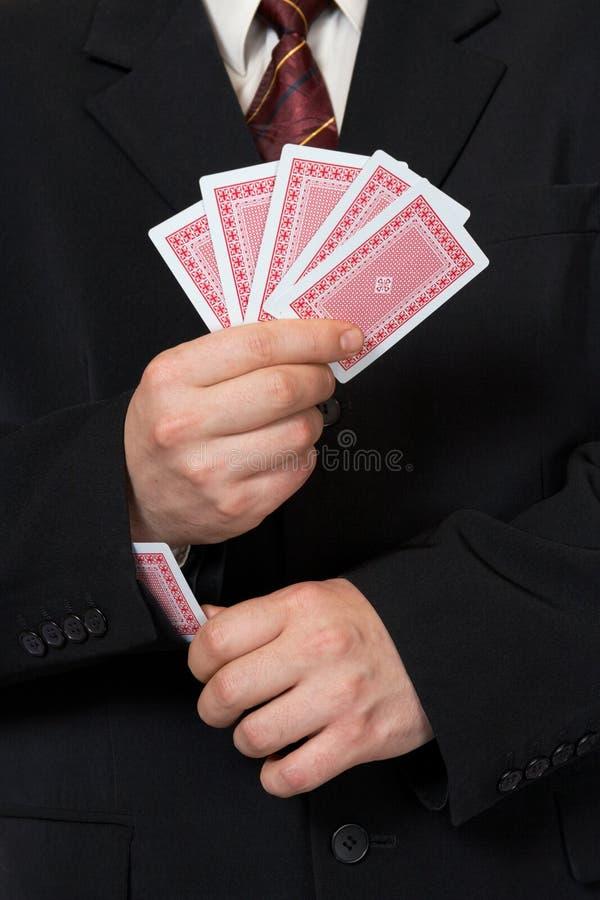 Mains et carte dans la chemise photographie stock libre de droits