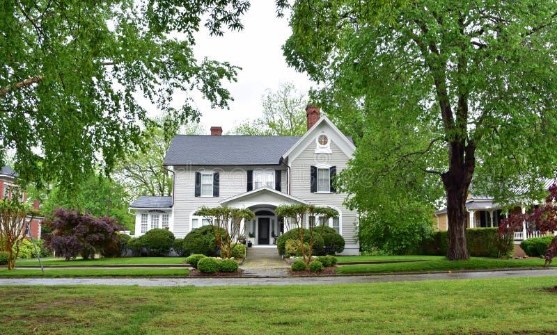 Mainstreet norr Carolina Grey Home arkivfoton