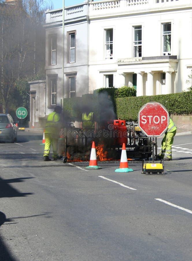 Download Maintenance de route photo stock. Image du omnibus, signe - 730294
