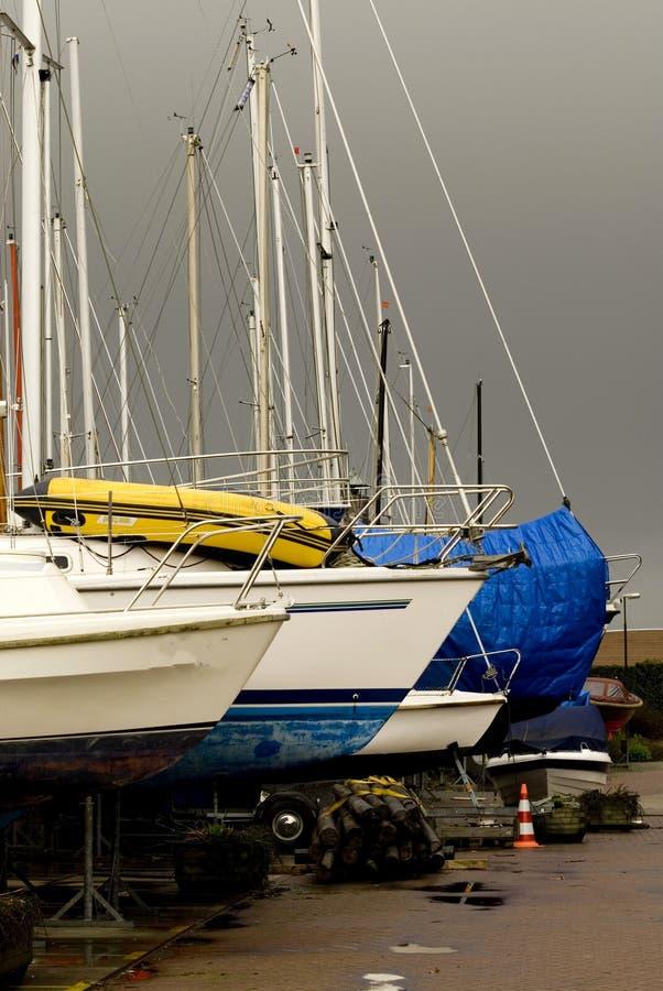Download Maintenance le bateau photo stock. Image du dock, peinture - 2125542