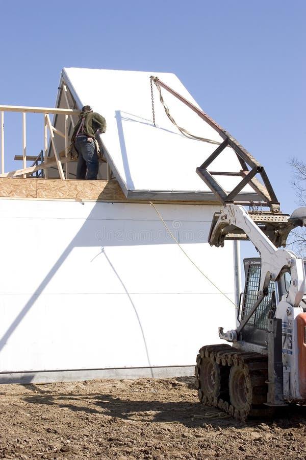 Download Maintenant le toit photo stock. Image du matériel, extérieur - 78792