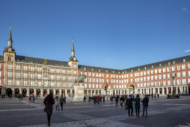 Maire de plaza à Madrid, Espagne Le maire de plaza est à angle droit central à Madrid photographie stock