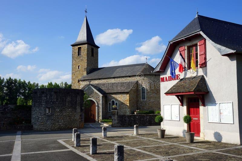 Mairie en kerk stock foto