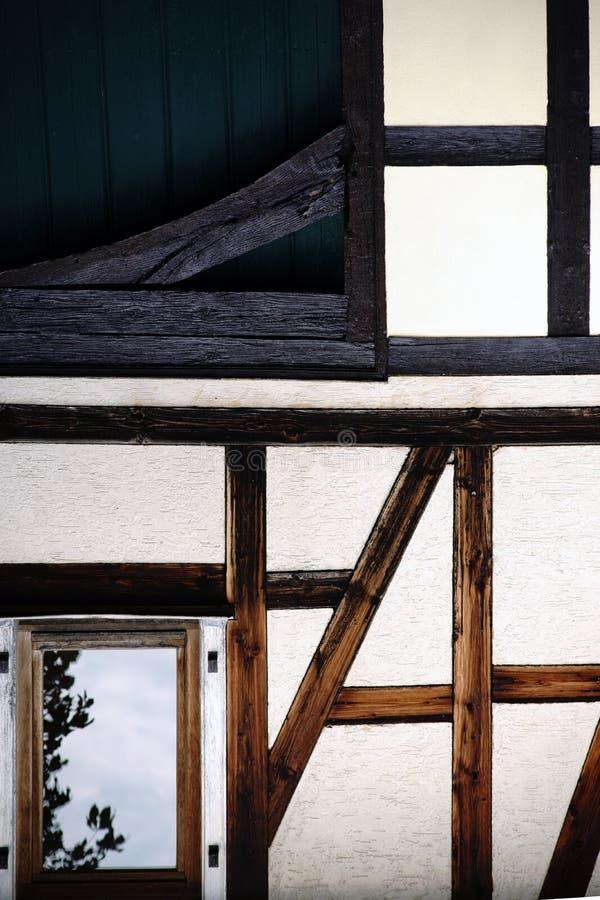 Maison à colombage de structure de bois photos stock
