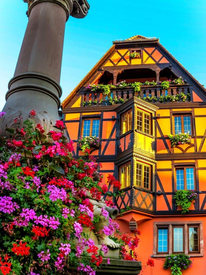 Maison à colombage pittoresque dans Obernai, Alsace, France photographie stock libre de droits