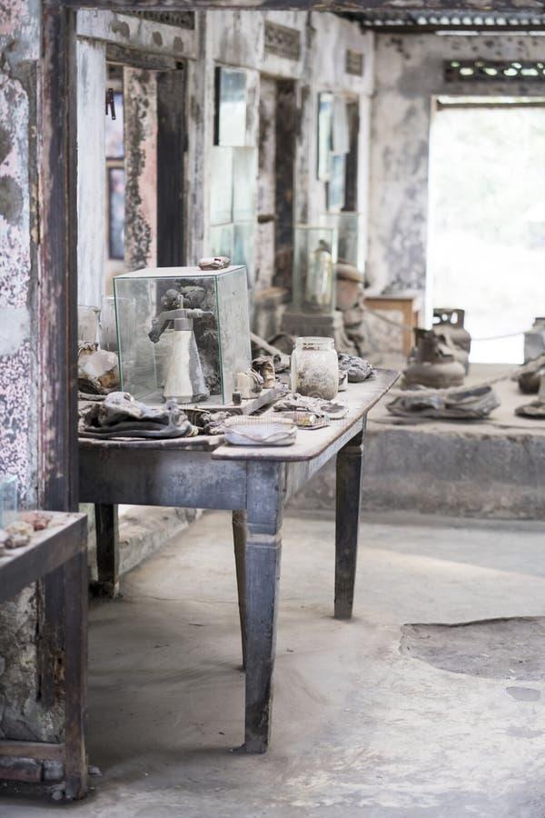 Maison abandonnée après éruption de volcan photographie stock libre de droits