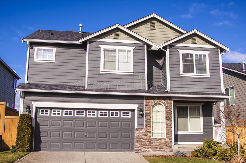 maison américaine de type image stock. image du luxueux - 29568555