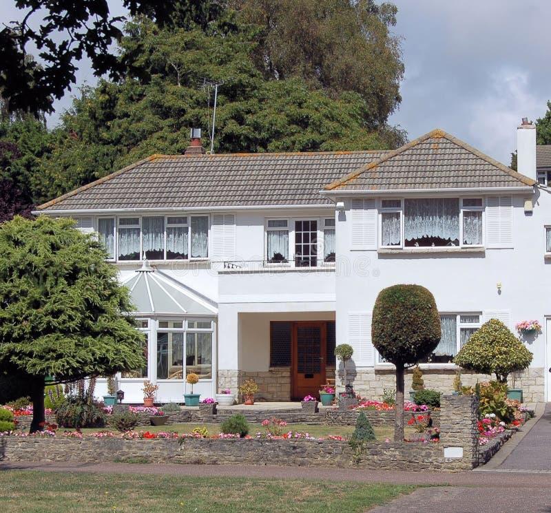 Maison anglaise image stock image du logement beau for Maison anglaise typique plan