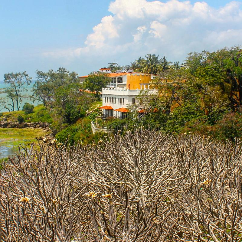 Maison avant de plage par l'Océan Indien image stock