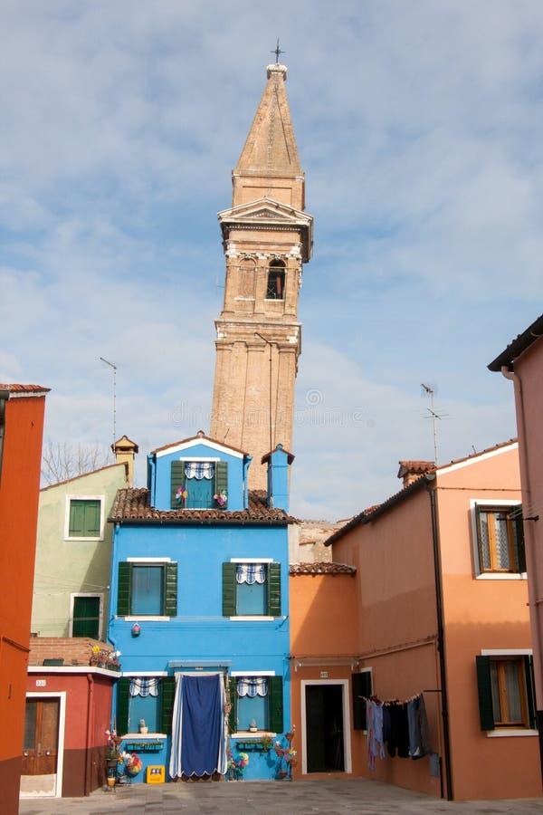 Maison bleue, île de Burano, près de Venise, l'Italie photos stock