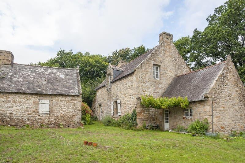 Maison bretonne traditionnelle photo stock image du for Architecture bretonne traditionnelle