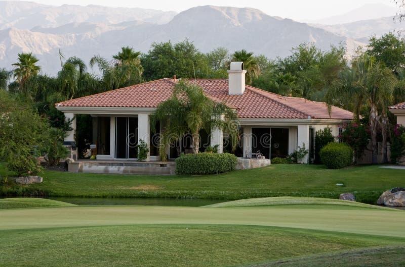 Maison californienne image stock image du jardin montagnes 5691249 - Plan maison californienne ...