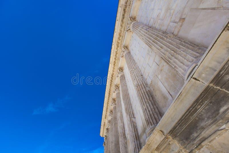 Maison Carree罗马寺庙在尼姆,法国 图库摄影
