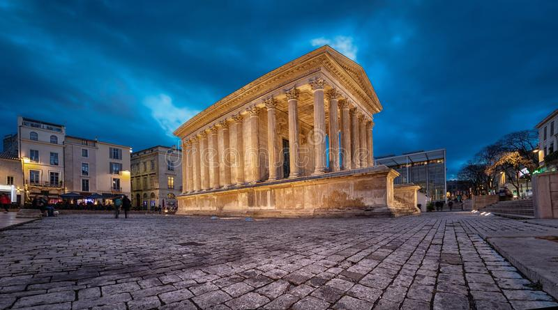 Maison Carree -被恢复的罗马寺庙在尼姆,法国 图库摄影