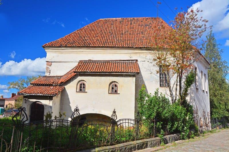 Maison chevaleresque avec la clôture antique Vyborg, Russie photos libres de droits