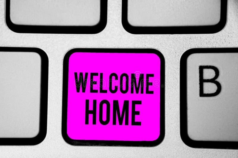 Maison conceptuelle d'accueil d'apparence d'écriture de main Clavier d'entrée de natte de domicile de nouveaux propriétaires de s photos libres de droits