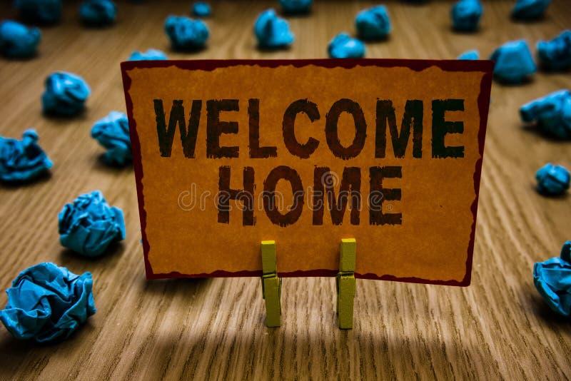 Maison conceptuelle d'accueil d'apparence d'écriture de main Entrée de natte de domicile de nouveaux propriétaires de salutations photos libres de droits
