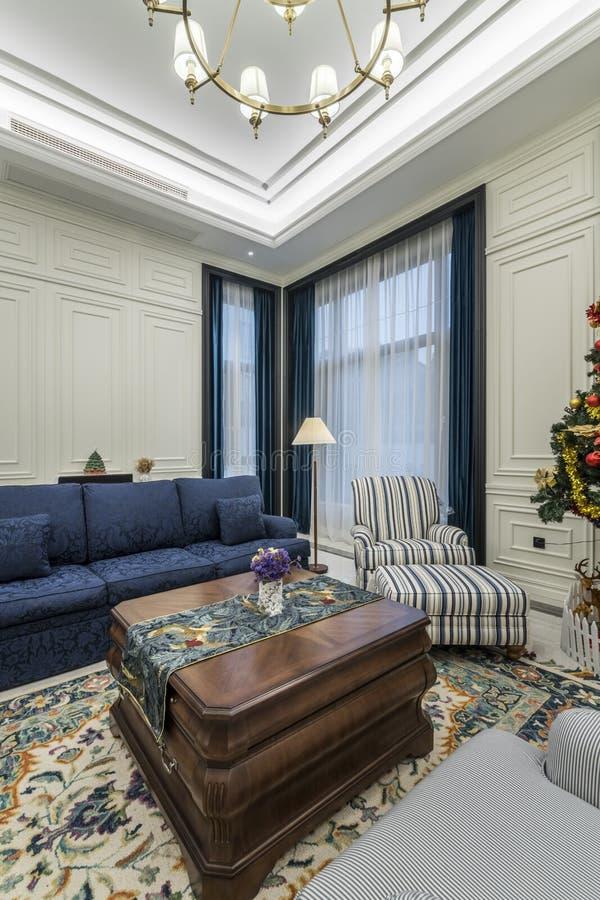 Maison confortable et rang?e photos stock