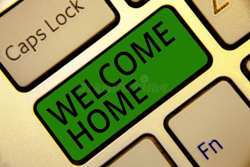 Maison d'accueil d'écriture des textes d'écriture Clé I de vert de clavier d'entrée de natte de domicile de nouveaux propriétaire image libre de droits