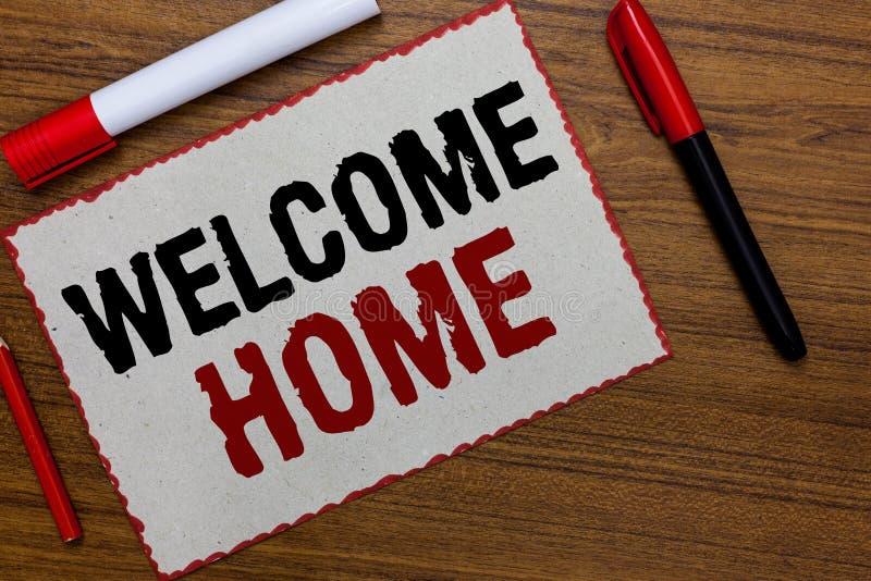 Maison d'accueil d'apparence de signe des textes Le rouge conceptuel de livre blanc d'entrée de natte de domicile de nouveaux pro image stock