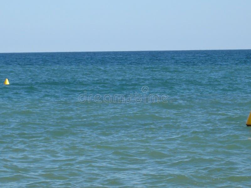 Maison d'avion de sable de vague d'été de nature de mer d'échelle de canards de voile de voilier image stock