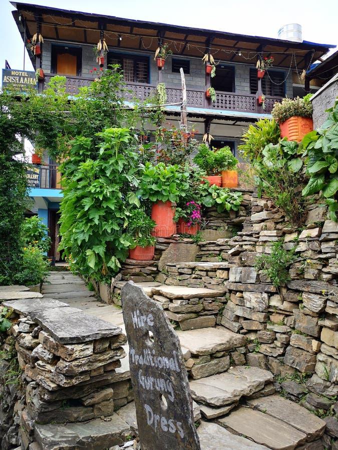 Maison d'hôtes traditionnelle au Népal image libre de droits