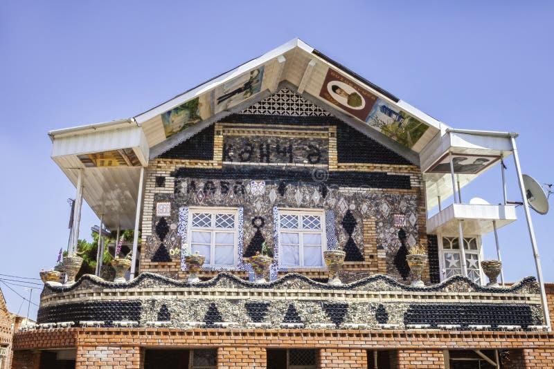 Maison de bouteille dans Gyandzha images libres de droits