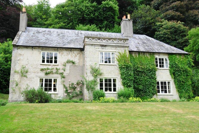 Maison de campagne photo stock image du home beau for Maison anglaise typique plan