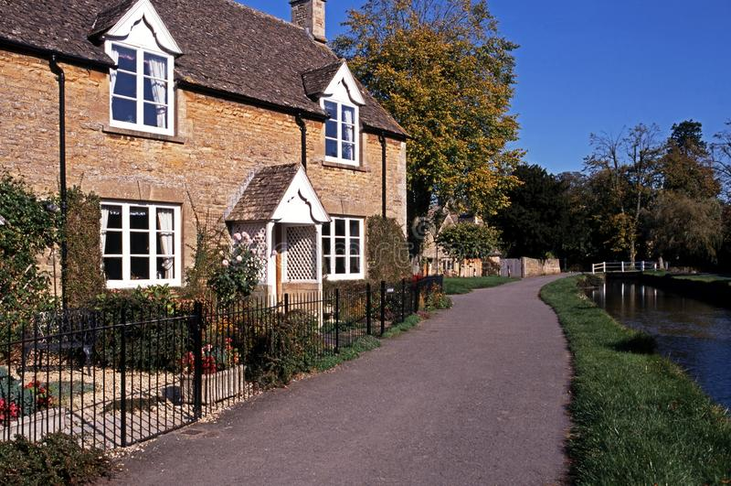 Maison de Cotswold, abattage inférieur, Angleterre. photos libres de droits