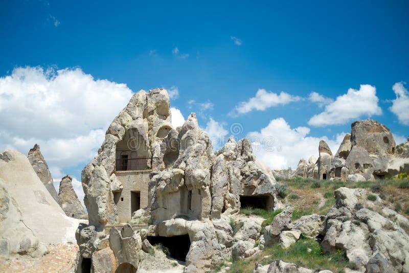 Maison de crique Vue de la ville dans Cappadocia photographie stock libre de droits